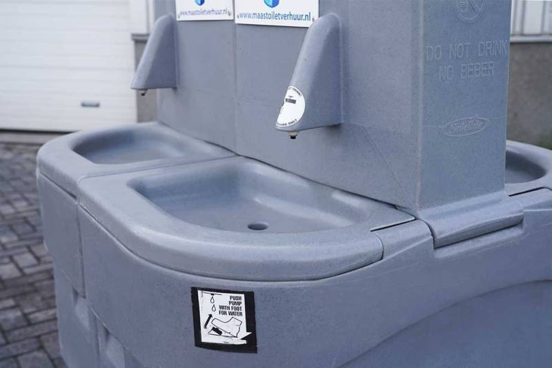 Dubbele handwasunit huren bij Maas